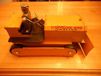 Vintage 50's Saunders MARVELOUS MIKE TRACTOR with Tin Robot