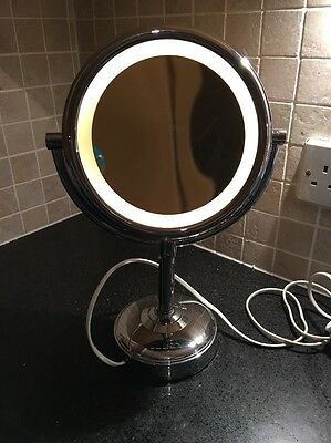 No.7 5x Magnification Light Up Make Up Mirror