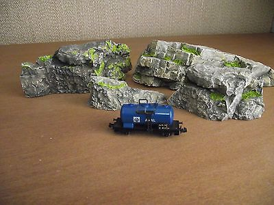 N Gauge Rock Formations x 4