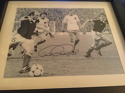 Signed Archie Gemmill Photo