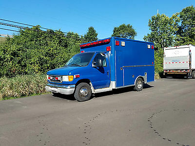 2003 Ford Ambulance Package 7.3L Diesel, Automatic