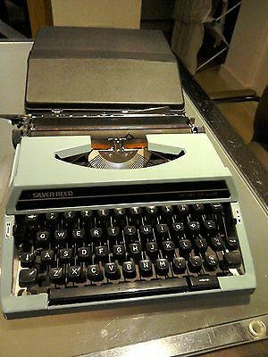 SILVER-REED SR 180 De Luxe Blue Portable Typewriter in Carry Case -vgc