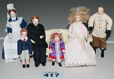 Lot 417: 1/12 scale Doll's House Dolls