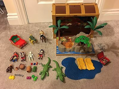 Playmobil Pirate Take/Carry Along Treasure Chest,Figures + Lots Of Extras