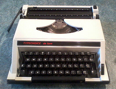 Vintage/retro Manual Typewriter 'typechoice De Luxe' Complete With Case