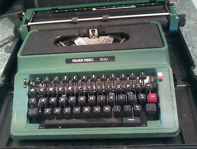 Vintage/retro Silver Reed 500 Manual Typewriter Complete With Case