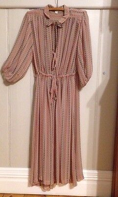 Stunning Vintage Dress Sz 8 Excellent Condition 1970's