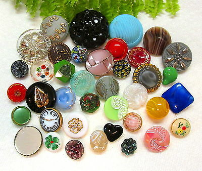 Colorful Lot Of Vintage Glass Buttons P71
