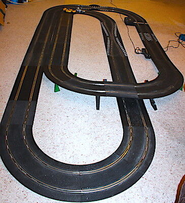 Scalextric Classic Track Layout and Powerbase, lap counter, Plus 2 cars