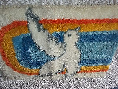 """Vintage Finished 70's Colorful Rainbow With Dove Latch Hook Rug 20 X 27"""""""