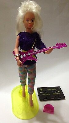 Vintage Jem ROXY of The MISFITS Doll w/ Hairpiece Guitar Stand Cassette + More