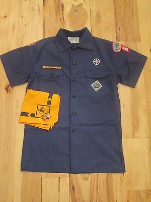 cub scout uniform short sleeve with neckerchief and ring size youth large