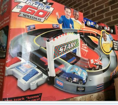 fisher price shake n go RACERS speedway with 2 cars  Retired Version  BNIB