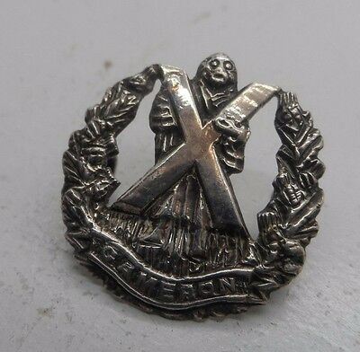 WWll The Queens Own Cameron Clan Highlanders Silver  Badge Inverness E-1950