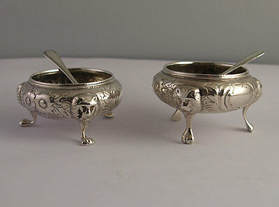 Fine Pr Victorian Solid Silver Salts With Original Spoons - 136g - Sheff. 1882