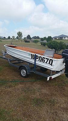 3.7 brooker alluminum boat with trailer