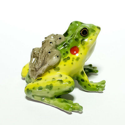 Figurine Animal Ceramic Statue Mama With Babies On Back Frog Toad  - CAF049