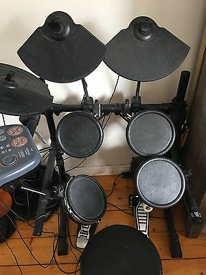 D-tronic Electric Drumkit Q-5plus Stool Headphones