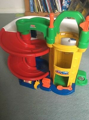 Fisher Price Little People Garage with One car and 2 People
