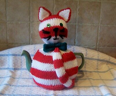 Hand Knitted Cat Tea Cosy - Green Bow