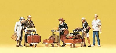 Preiser 10459 HO Scale Travellers with Luggage Trolleys Model Railway Figures