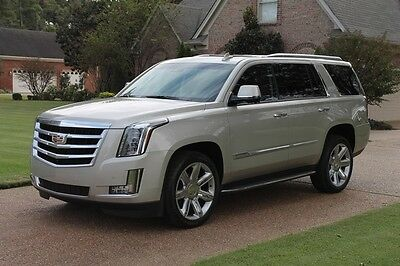 2015 Cadillac Escalade 4WD One Owner Perfect Carfax 4WD Kona Interior 22's MSRP New $82565