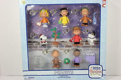 New Peanuts Clip-on Keychain Charlie Brown Christmas 8 Mini Figures w Extra 2004