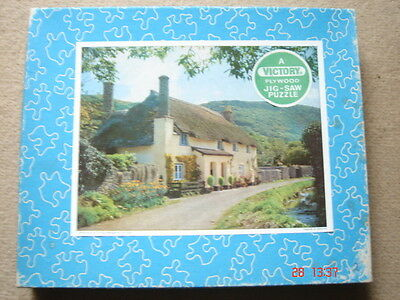 Vintage Victory THATCHED COTTAGE wooden jigsaw complete 250pc 7059