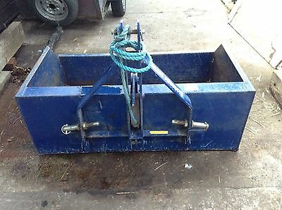 Tractor tipping transport box Beaconsfield