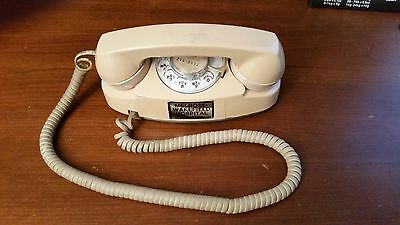 Vintage Western Electric Princess Rotary Beige Desk Top Telephone From NE