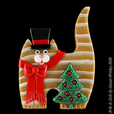 Standing Gold Tabby Kitty Cat, Christmas Tree & Top Hat Holiday Pin - SWris