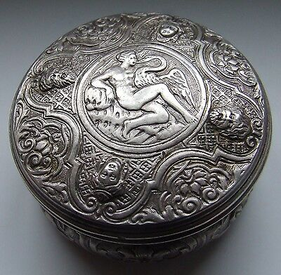 Silver round box - France - 49.7 gr. 18th cent. - Argent - beautiful model