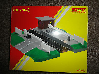 Hornby-Automatic Level Crossing