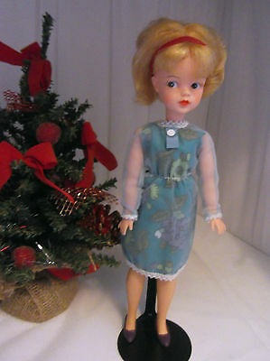 Vintage Pedigree Sindy 1963 First England in ORIGINAL  Mamselle Cool Cat