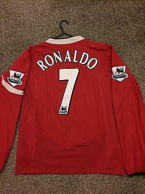 Manchester United 2004/06 Home Shirt Long Sleeves Adults(S) 7 Ronaldo