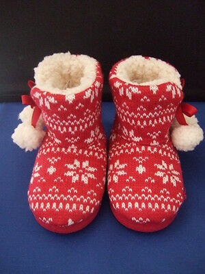 Childs fleecy lined boot slippers