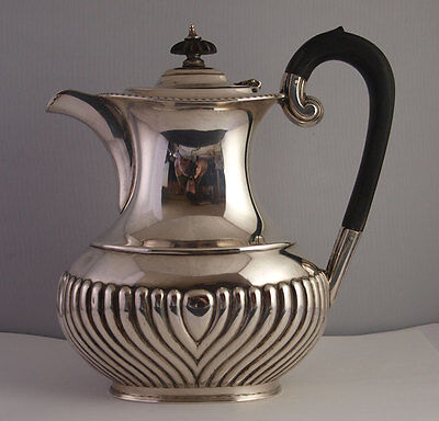 Elegant Queen Anne Style Solid Silver Coffee Pot - Sheff. 1924