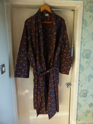 Marks And Spencer Size L Lightwight Dressing Gown. Washed But Not Worn.
