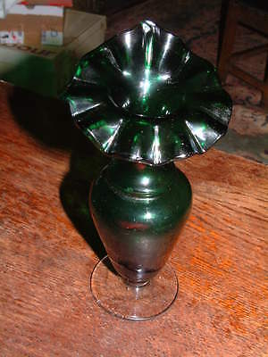Green Ruffled Neck Jack In The Pulpit Vase