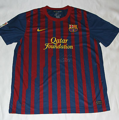 Luis Suárez Signed Barcelona Football Shirt with COA