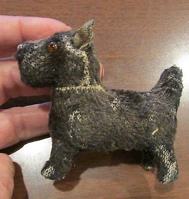 BLack EArly Primitive Mohair SEAlyham Terrier Glass Eyes Squeezes in the Middle