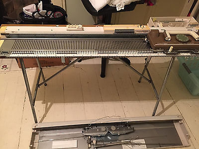 KNITMASTER SK155 CHUNKY KNITTING MACHINE with RIBBER, TABLE & INSTRUCTIONS
