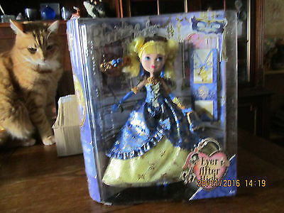 poupee blondie lockes  ever after  high