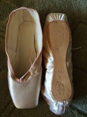 NEW Gamba 93 Pointe Shoes Ballet Toe Dance Size 8 X