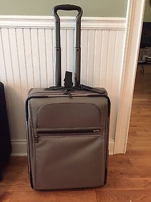 TUMI Continental Zip Expandable Carry-On Style 22021 Msrp $595