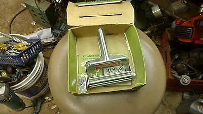 Vintage Townsend Fish Skinner With Original Box