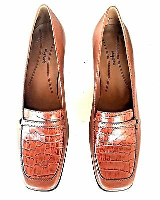 """New Easy Spirit """"Essolano"""" Brown Leather Croc Print Loafer Heels Size 8"""