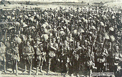 POSTCARD.WW1 DAILY MAIL BATTLE PICTURES.AUSSIES PARADING FOR THE TRENCHES.No80