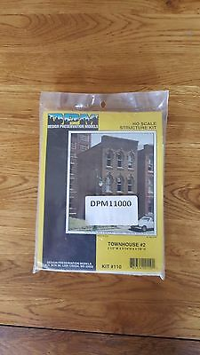 H0 / 00 American Town House Kit Dpm