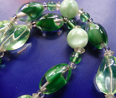 vintage mint & green glass bead necklace 50s -C556